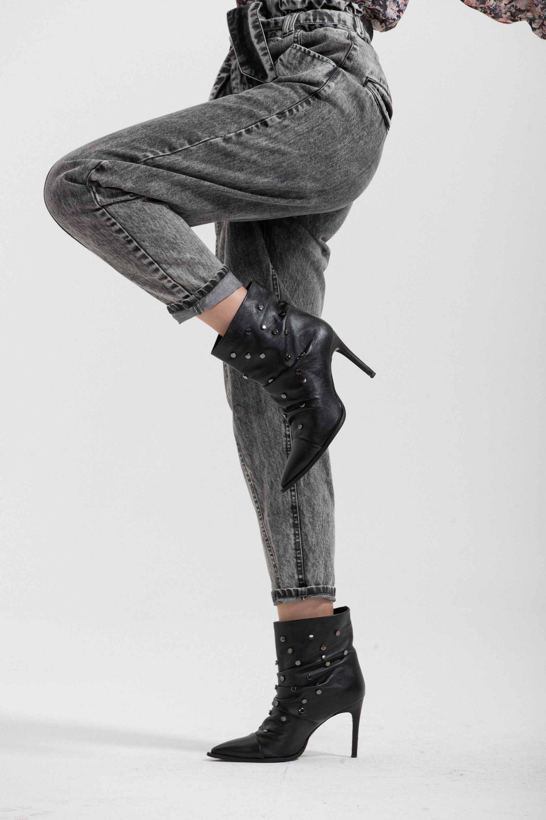 jeans marmorizzato con cinta