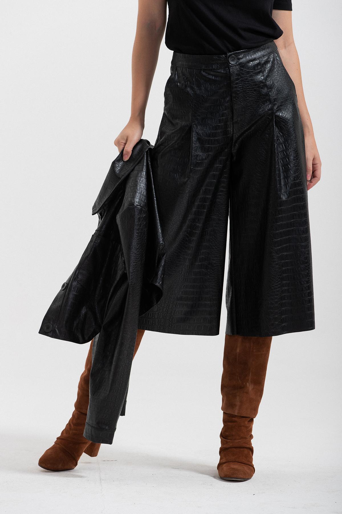pantalone ampio ecopelle