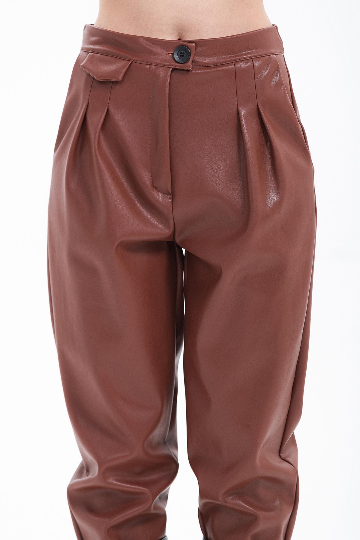 pantalone con pinces